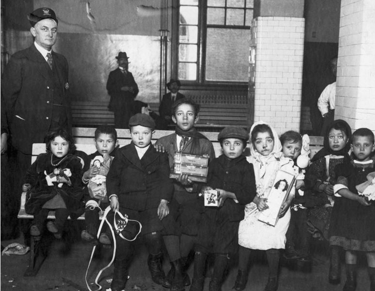 the issues of immigration from ellis island In this issue, you'll get the real story about ellis island for kids compelled by the human side of us history, a broad range of facts about this monumental immigration center will leave them yearning to find out about their own families.